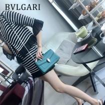 Bvlgari-38102-02 寶格麗時尚新款原單胎牛系列純銅式的五金單鏈小方包
