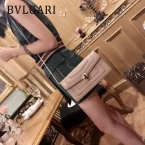 Bvlgari-37044-02 寶格麗時尚新款左蕭岸同款純銅式的五金鏈條蛇頭包