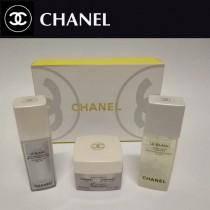 CHANEL彩妝-04 香奈兒彩妝精華+水乳+素顏霜禮盒三件套