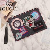 GUCCI 473915 時尚復古風徽章刺繡圖案原單PVC面料配牛皮手拿包