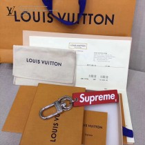 LV-0002 正品開發supreme聯名款原單紅色水波紋鋼製五金包包掛件