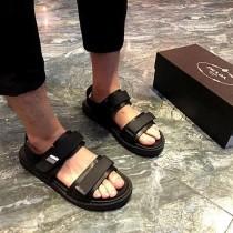 prada-1 皮製涼鞋 霸道的品質工藝及時尚感