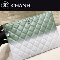 CHANEL-70253-01  原單 限量新款 弧品 漸變色配胎牛皮 水晶膠吊墜雙C 手拿包