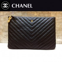 CHANEL-82544-01 香奈兒經典新款進口黑色小球紋牛皮V紋手拿包
