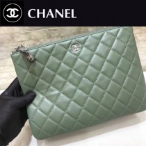 CHANEL-82544-06  原版皮 進口羊皮 宇宙掛飾 最新系列之手拿包 信封包
