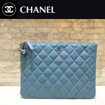 CHANEL-82544-05  原版皮 進口羊皮 宇宙掛飾 最新系列之手拿包 信封包