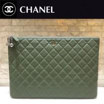 CHANEL  82544-02  原版皮 進口羊皮 宇宙掛飾 最新系列之手拿包 信封包
