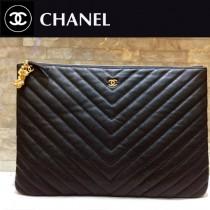 Chanel-82544-8 原版皮 貓頭鷹 系列 進口黑色小球紋牛皮V紋手拿包 手感超好 拉鏈開合和精致的金屬配件 纖維內裏 超大容量