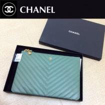 Chanel-82544-7 原版皮 貓頭鷹 系列 進口黑色小球紋牛皮V紋手拿包 手感超好 拉鏈開合和精致的金屬配件 纖維內裏 超大容量