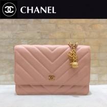 Chanel-33814-05 香奈兒貓頭鷹系列進口黑色小球紋牛皮V紋WOC斜挎包