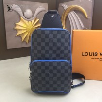 LV-N41719 路易威登新款原版皮Avenue黑格胸包