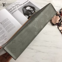 LV-M61692-01 新款原版皮 POCHETTE VOYAGE手袋