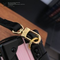 LV-M54650  路易威登專櫃同步原版皮系列女款手提斜背包