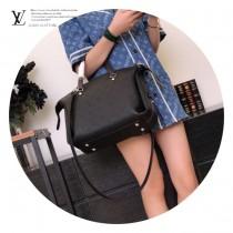 LV-M54671-02  路易威登專櫃同步原版皮系列女款購物袋