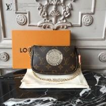 LV-M58011 路易威登新款經典精美徽章彩繪圖案小挎包
