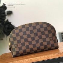 LV-N23345  路易威登新款咖啡格中號手包 化妝包