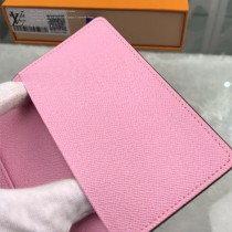 M62144-01 新款原版皮絲印系列護照本 卡包