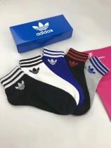 adidas(阿迪達斯三葉草 )官網同步款