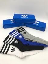 adidas(阿迪達斯三葉草)官網同步上線、各大專櫃暢銷款