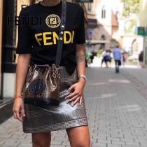 FENDI包包-06   芬迪雙F早春新款LOGO水桶包