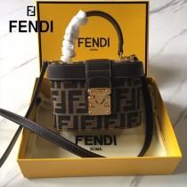 FENDI芬迪  原版皮   大F字母便當包-02