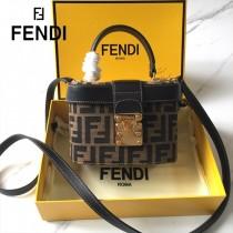 FENDI芬迪  原版皮   大F字母便當包