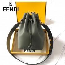FENDI包包-021-03   芬迪經典大號桶包