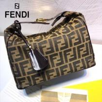 FENDI芬迪  原版皮  vintage 中古老花化妝包便當包