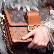 LV-M44391-01   路易威登新款原版皮DAUPHINE手袋