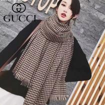 gucci專櫃  楊冪同款Gucci專櫃同步格子披肩圍巾,送禮都適合.規格70x180cm