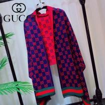 GUCCI 年度最新力作  爆款圍巾披肩 其獨特的創意和革新 華麗的設計感使整個古馳的標誌設計在眾多的品牌設計中更顯獨特