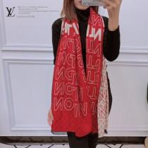 秋冬新款 LV圍巾披肩多用,專櫃款圖案搭配拼色雙面的設計