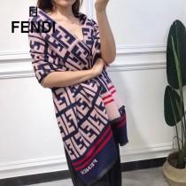 秋冬新款 FENDi圍巾披肩多用,專櫃款圖案搭配拼色雙面的設計