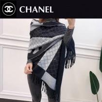 香奈兒冬季新款圍巾,兔絨包芯紗質地,柔和保暖,雙面雙色,做工精美,既是圍巾又可以做披肩,尺寸180X70cm