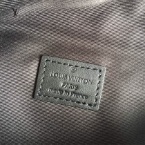 LV-M44336  路易威登原版皮BUMBAG腰包