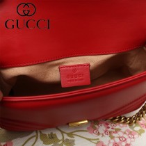 GUCCI-547260-01   古馳新款原版皮GG Marmont系列迷妳手提包