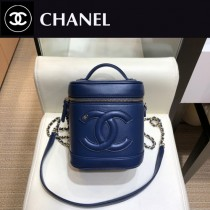 CHANEL 原版皮 化妝包-01  進口小羊皮 內裏配牛仔 正方型收納包化妝箱