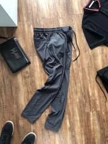 專櫃5000港幣壹條褲子。外貿定制廠生產 品質頂級!連卡佛最新上架的長褲!