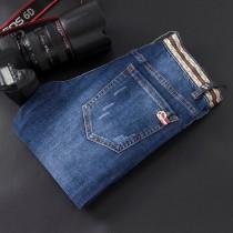 Diyingqi Guci 2019春夏新款原單男士牛仔褲 采用純正進口高盅司克水洗面料 呈現自然醇尚的效果,采用印度