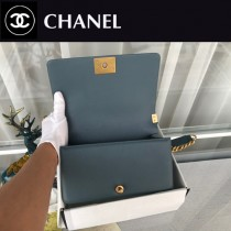 CHANEL-05 原版皮  67086大V格 leboy細球紋原單系列 斜背包