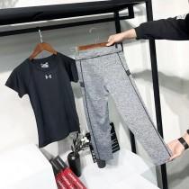 健身季~妹子們~走起來!短袖+緊身褲兩件套超值回饋!