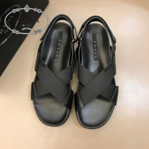PRADA男士拖鞋官網新品同步發售,男士真皮夏季休閑涼鞋