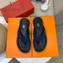 華倫天奴 新款  人字拖 涼鞋 獨家限定系列 休閑時裝拖鞋進口小牛皮