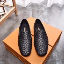 高端品質 精品 簡約大氣的款式 永不落伍的色系將男士紳士氣質襯托