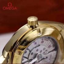 鷗米茄8500機芯海馬系列Aqua Terra 150米腕表-04