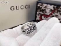 G家新款方形G圖案戒指點綴精美的阿拉伯刻花圖案戒指邊緣帶有織紋質感