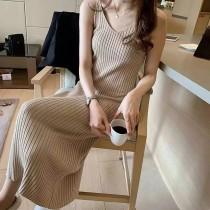 19新款復古連衣裙修身吊帶針織長裙女內搭