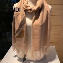Fendi 奢華羊絨圍巾