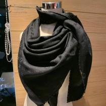 LV 專櫃限量金屬老花飾扣純手工金線卷邊披肩