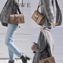 LOEWE 037-3 羅意威  Barcelona  bag 原單 秋冬新款3角包